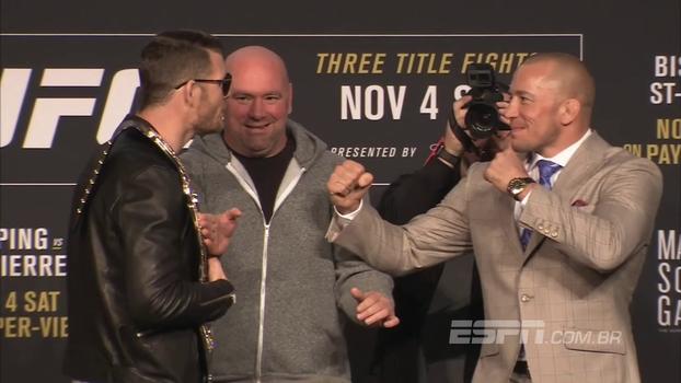 Bisping fala muito, e St. Pierre mostra a língua: veja a encarada do UFC 217