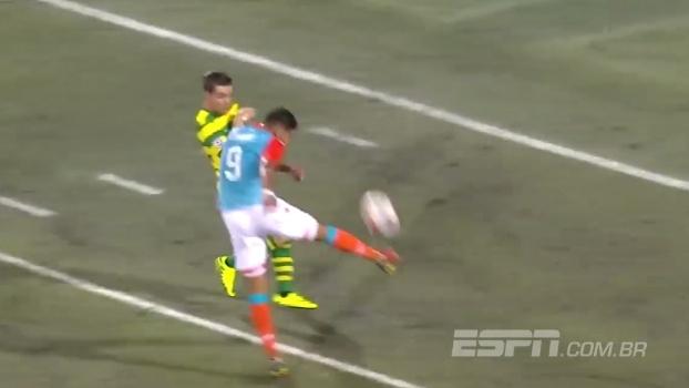De primeira, sem deixar cair no chão, na veia: veja o golaço do Miami FC nos Estados Unidos