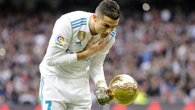 Cristiano Ronaldo com 5ª Bola de Ouro no Santiago Bernabeu