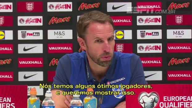 Técnico da Inglaterra quer mostrar o talento dos jogadores; Jones discorda de críticas da torcida