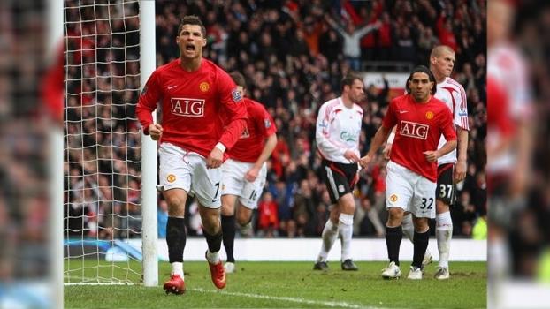 Cristiano Ronaldo fez de cabeça, Mascherano foi expulso e United bateu Liverpool em 2008