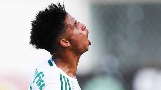 Joia do Palmeiras que pode ir para o Barcelona já anotou golaço contra a Chape; relembre