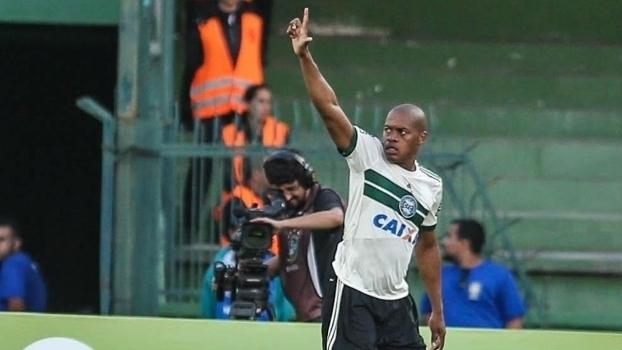 Brasileiro: Gol de Coritiba 1 x 0 Atlético-PR