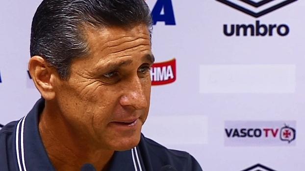 Jorginho se nega a falar sobre o Cruzeiro, elogia jovens e define 'foco total' no Botafogo