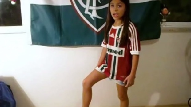 Fã mirim, Luiza Travassos já 'narrou' um gol do Fluminense