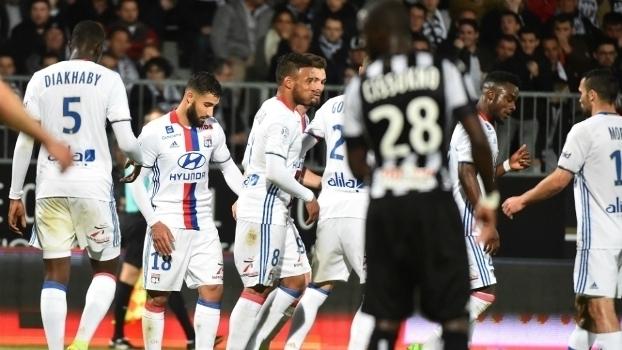 Francês: Gols de Angers 1 x 2 Lyon