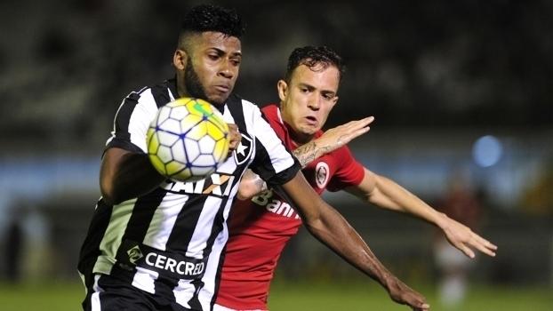 Brasileiro: Gol de Botafogo 1 x 0 Internacional