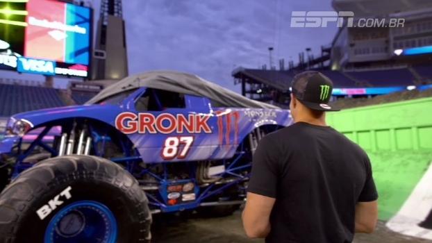Gronkowski ganha caminhão personalizado e agita competição no estádio dos Patriots