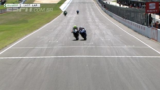 Por um milésimo de segundo, Roberto Rolfo vence circuito no Mundial de Superbike