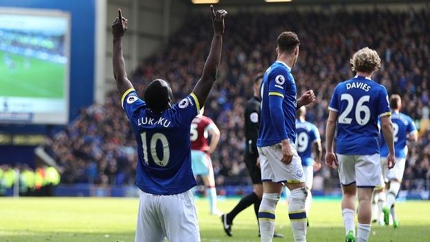 Everton vence o Burnley em casa, ultrapassa o United e segue sonhando com vaga na Champions