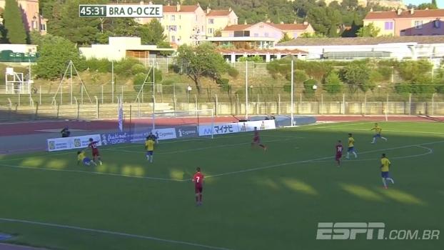 Tempo real: Brasil pressiona República Tcheca em busca do gol, mas para na defesa