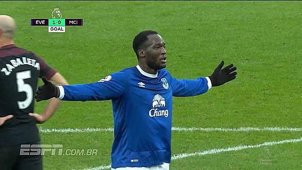 Tempo real: GOL do Everton! Depois de bola roubada no meio-campo, Mirallas rola para Lukaku que abre o placar
