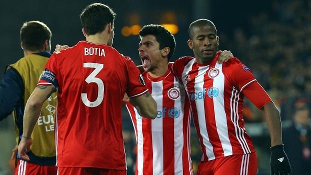 Após empate na ida, Olympiacos vence na Turquia e avança às oitavas da Europa League