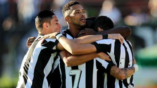 Brasileiro: Gols de Botafogo 2 x 1 Santa Cruz