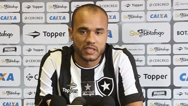 Roger comemora chance no Botafogo e se derrete pela Libertadores