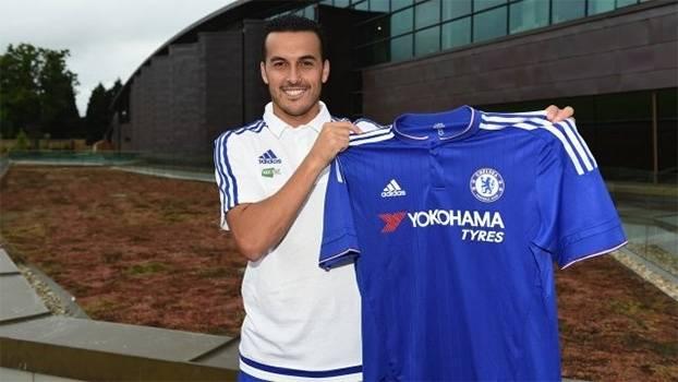 Pedro arranha no inglês e manda recado: 'Espero ganhar muitos títulos aqui'