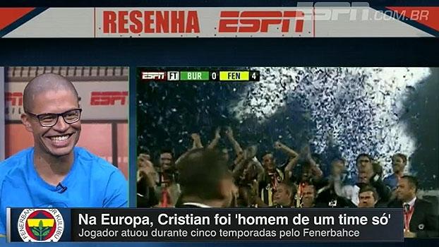Alex brinca e lembra de jogo em que Cristian atuou como camisa 10 no Fenerbahce: 'Não tocou na bola'