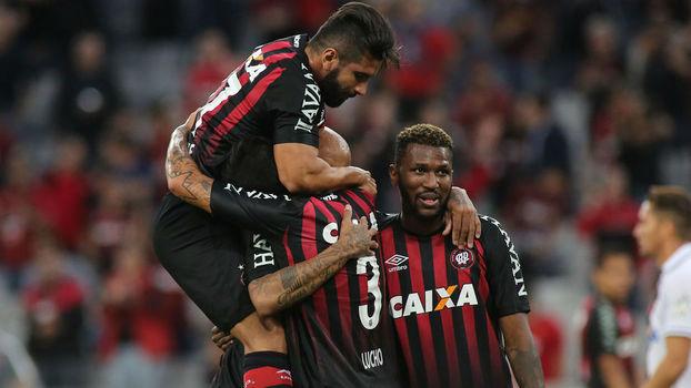 Assista aos gols da vitória do Atlético Paranaense sobre o Vasco por 3 a 1!