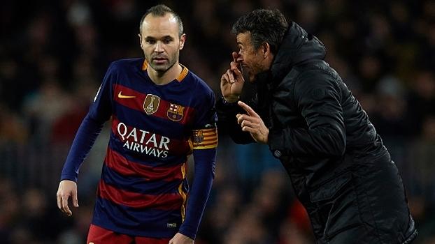 Ex-companheiro de Iniesta e atual técnico, Luis Enrique brinca: 'A magia que tem, pegou de mim'