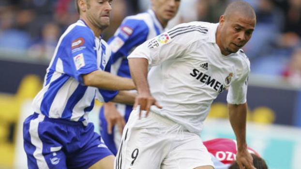 Adversário do Real no sábado, Alavés era uma das vítimas prediletas de Ronaldo Fenômeno; relembre