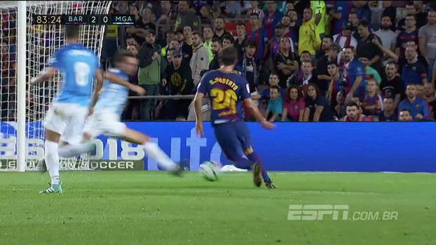 Tempo real: Sergi Roberto tabela, costura a zaga do Malaga e quase anota um golaço