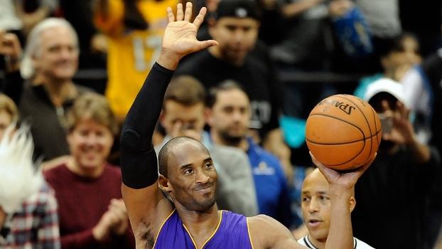 Há 1 ano, Kobe superou Jordan e entrou no top 3 de cestinhas da NBA