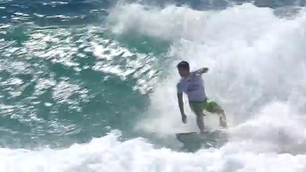 Gabriel Medina avança para as quartas de final em Gold Coast
