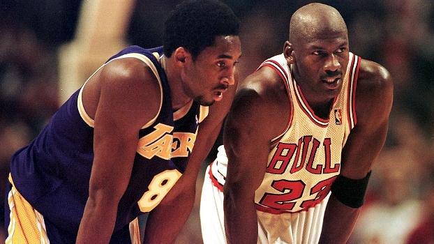 Há 18 anos, jovem Kobe duelou pela 1ª vez com Jordan, recebeu conselho e fez 33 pontos