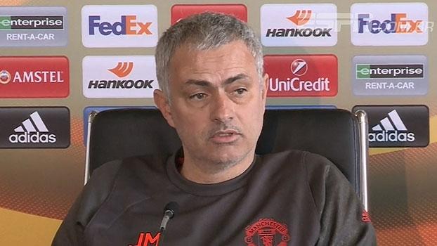 Mourinho diz que críticos sentem 'inveja' do salário de Pogba: 'Não é culpa dele se é multimilionário'