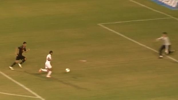 Na Ilha do Retiro, Lucas fez 3 gols e comandou vitória do São Paulo sobre o Sport em 2012