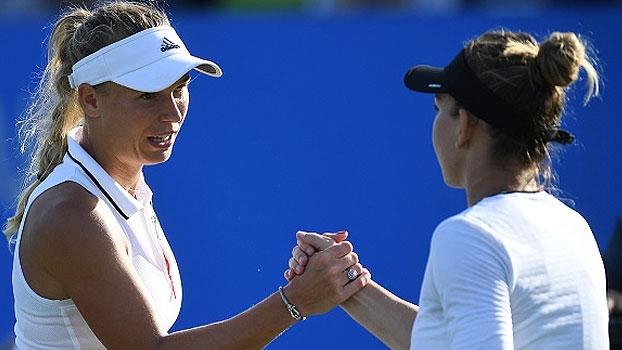 Wozniacki vence rodada dupla e está nas semis do Premier de Eastbourne