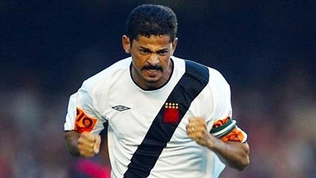 Brasileiro-2004: Com gols de Valdir Bigode e Petkovic, Vasco enfiou 4 a 0 no Botafogo no Maracanã