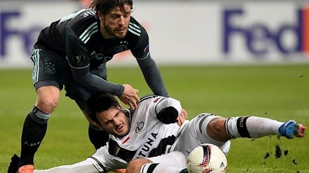 Legia Varsóvia e Ajax empatam sem gols na Polônia