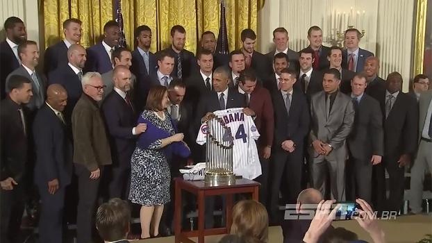 Obama recebe Cubs na Casa Branca: 'Nem eu fui louco para sugerir que os Cubs seriam campeões'