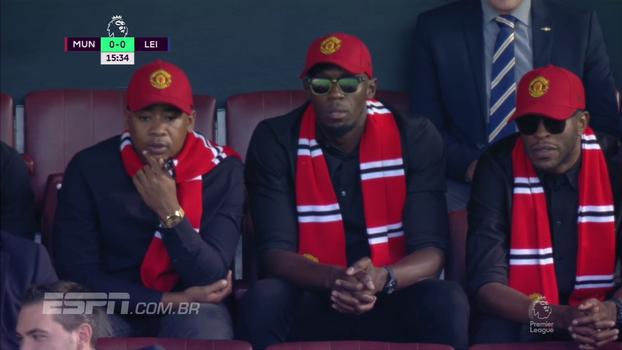 O raio está no Old Trafford! Bolt prestigia Manchester United contra o Leicester