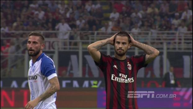 Passou perto! Milan perde chance de aumentar o placar