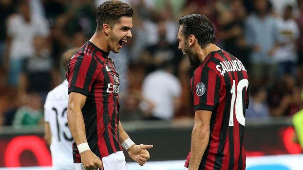 Assista aos gols da vitória do Milan sobre o Shkëndija por 6 a 0!