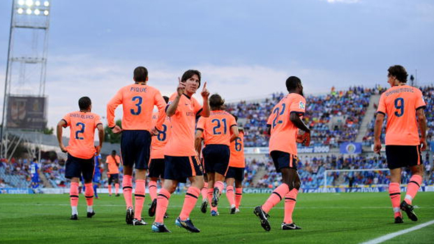 Ibrahimovic fez o dele, deu assistência para Messi, e Barcelona bateu Getafe em 2009