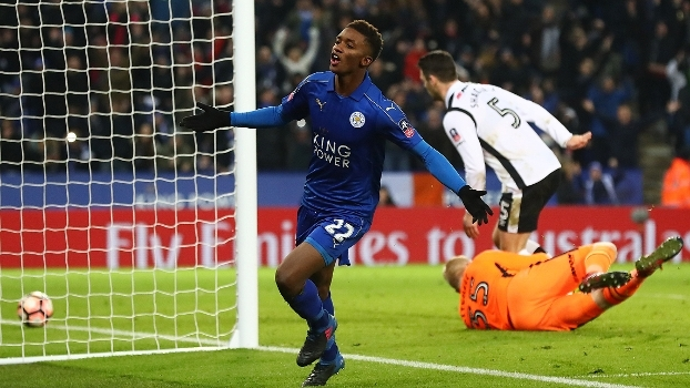 Leicester volta a vencer, faz 3 x 1 no Derby County e avança na Copa da Inglaterra