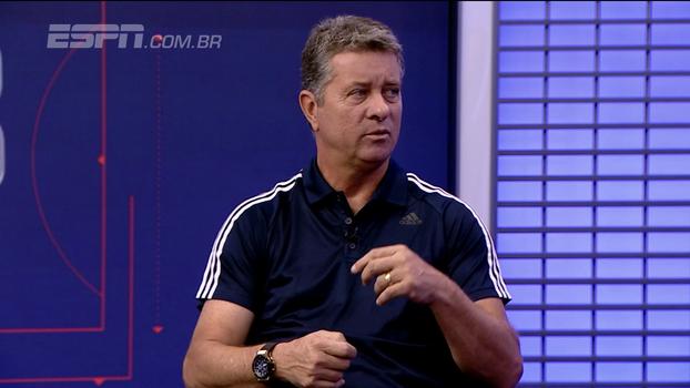 'O Corinthians fez um 1º semestre com intensidade muito alta. Depois oscilou, mas é normal', diz preparador físico