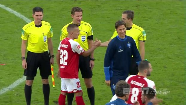 Ex-Grêmio marca para o Hamburgo, mas time é derrotado pelo Mainz por 3 a 2