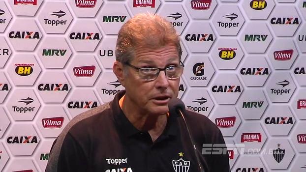 Oswaldo elogia Yago após vitória em clássico: 'Eu acho que foi ele que mudou o jogo'