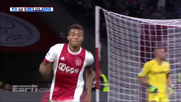 Marcou o dele, participou do outro e foi até marcado por três: veja como foi David Neres na vitória do Ajax