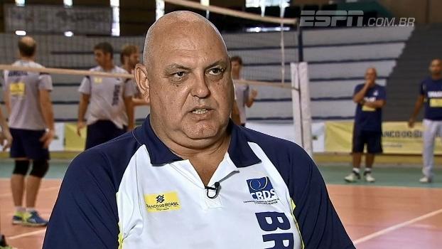 Xandó ouvindo com o coração: conheça a seleção brasileira de vôlei de surdos