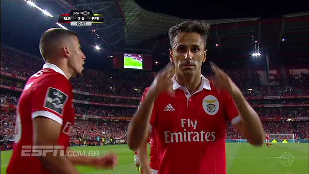 Que homenagem! Jonas rege torcida e dedica o gol a grande personalidade brasileira