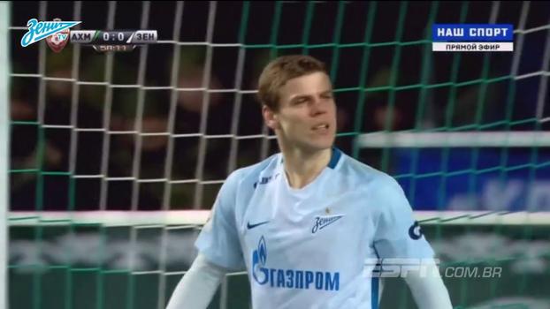 Inacreditável! Atacante do Zenit perde gol de dentro da pequena área