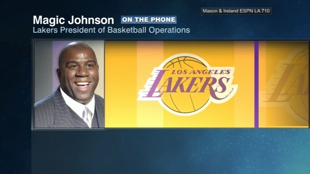 Magic Johnson elogia treinador e jovens talentos dos Lakers, mas lembra: 'Fãs precisam ser pacientes'