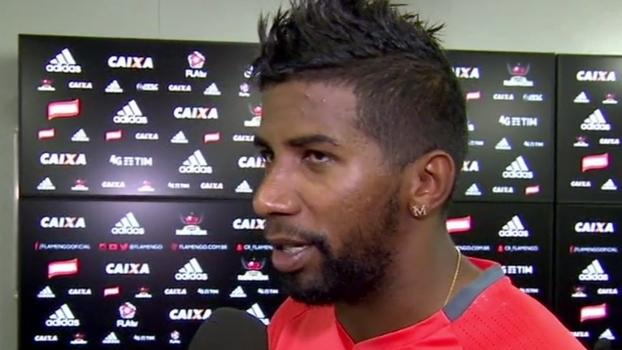 Rodinei afirma que 'carioca já passou' e pede concentração contra Fortaleza na Copa do Brasil