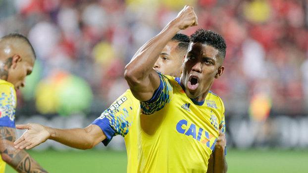 Brasileiro: Gols de Flamengo 2 x 1 Coritiba