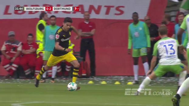 Zagueirão, Bartra encarna ponta esquerda e anota pintura pelo Borussia na vitória sobre o Wolfsburg